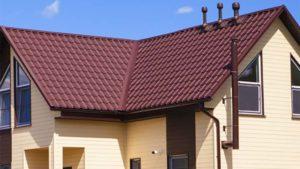 Фото дома с кровельным покрытием металлочерепицей Гранд Лайн Камея