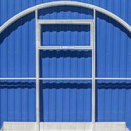 Торец и дверь теплицы из ячеистого поликарбоната Агросфера-Стандарт, фото