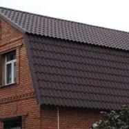 Крыша дома из металлочерепицы Камея, фото