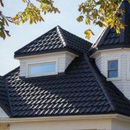 Крыша из модульной металлочерепицы венеция польского производителя Budmat